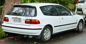 800px-1993-1995_Honda_Civic_GLi_3-door_hatchback_(2011-11-17)_02