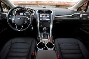 2016-Ford-Fusion-interior
